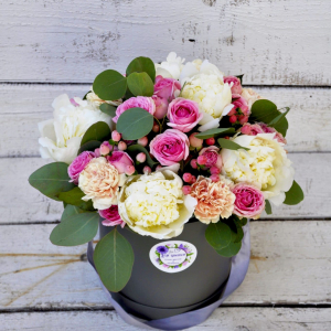 купить коробку с цветами
