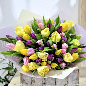 заказать букет с тюльпанами на 8 марта в минске