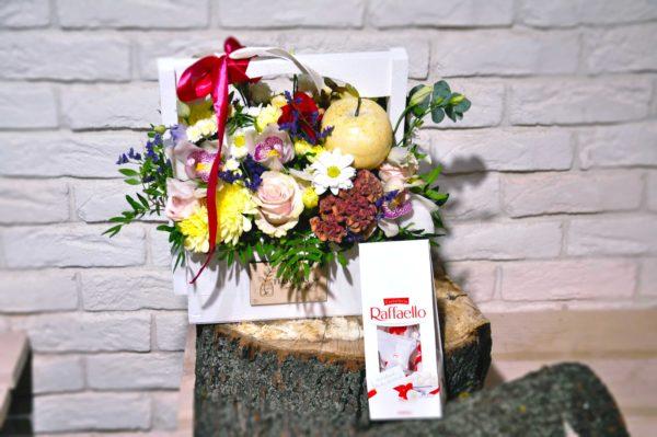 заказать коробку с цветами в минске