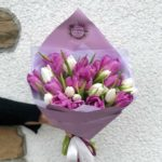 Букет сиренево-белых тюльпанов 25шт