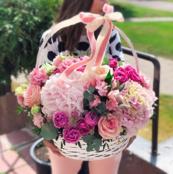заказать корзину с цветами