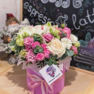 заказать цветы в коробке минск