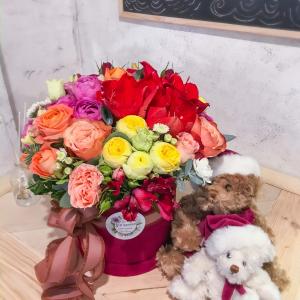 заказать коробку с цветами