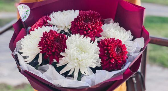 Какие цветы дарить женщине-начальнице?