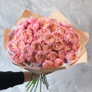 кустовая пионовидная роза Джульетта