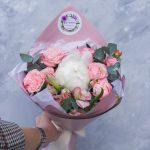 Букет с пионом и пионовидными розами №5