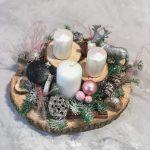 Новогодняя композиция на спиле со свечами